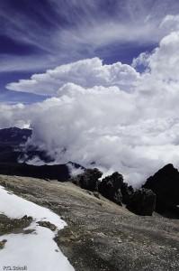 Nuages au sommet du Nevado del Ruiz