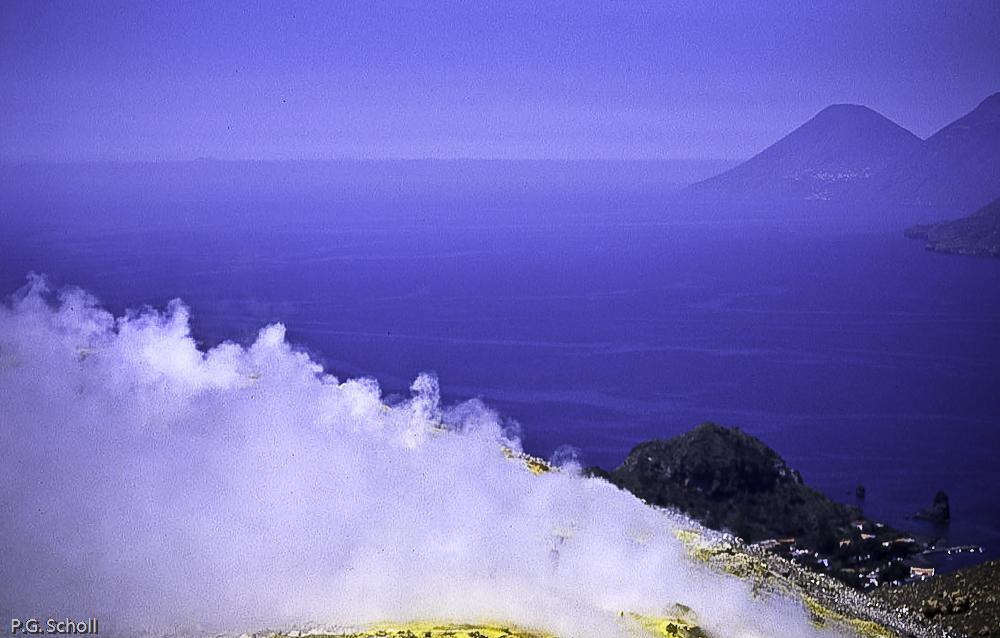 Au sommet de Vulcano, Italie
