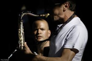 Le Saxophoniste et son fan