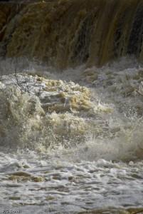 Crue sur la rivière Arc, Bouches du Rhône, France
