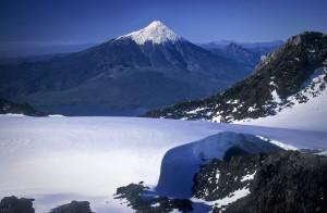 Le volcan Osorno, vu depuis le glacier sommital du Volcan Calbuc