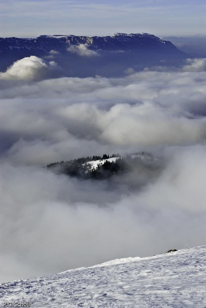 Vue de Belledone sur la Chartreuse, Alpes, France.
