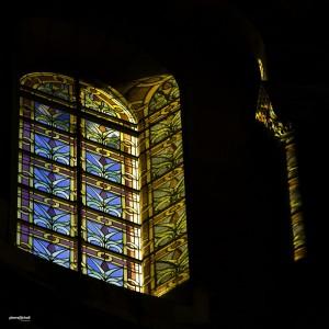 Vitrail de la cathédrale de la Major, Marseille, France.