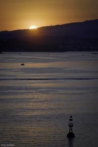 Coucher de soleil sur la rade de Toulon. France.
