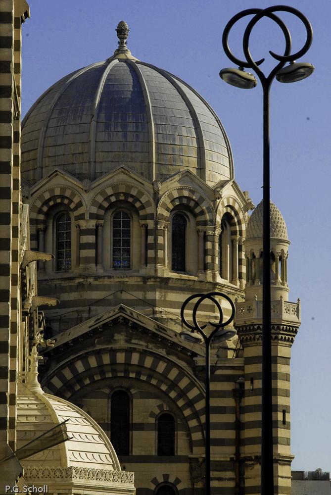 Major et lampadaire, Marseille, France.