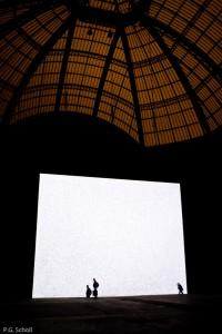 Ecran géant au Grand Palais, Paris, France.