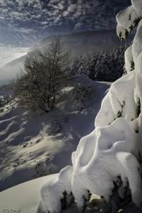 Paysage enneigé de la montagne de Ceuze, Hautes Alpes, France.