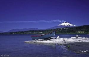 Le lac de lave du Volcan Villarica emmet en permanence ses fumée