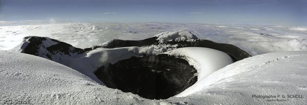 Cratère du Volcan Cotopaxi, Equateur